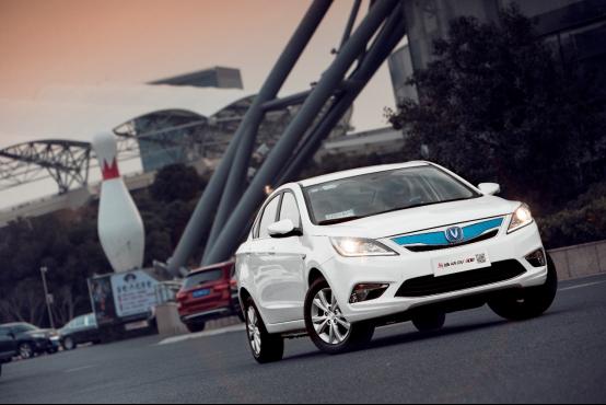 新逸动EV300双城记:全力拓展你的生活圈半径